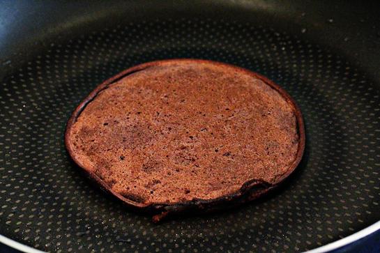 cach-lam-banh-pancake-chocolate-buoc-4