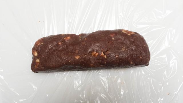 cach-lam-chocolate-salami-6