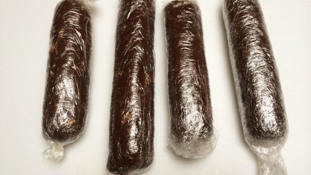 cach-lam-chocolate-salami-7