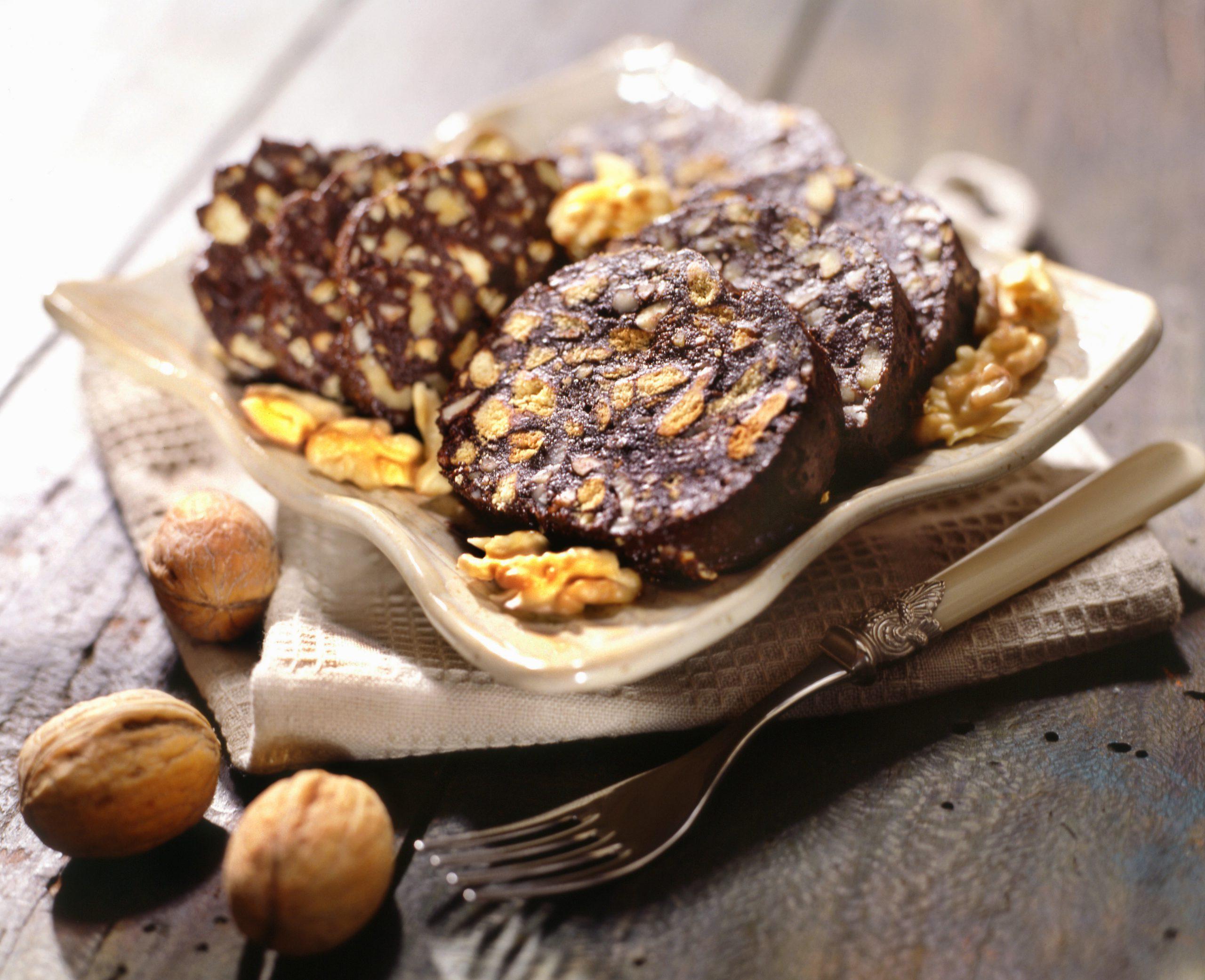 cach-lam-chocolate-salami